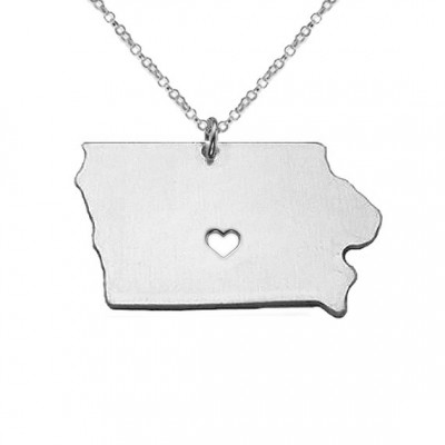 IA State Charm Ncklace,Iowa State Necklace,State Shaped Necklace,Personalized Iowa State Necklace,18k Gold State Necklace With A Heart